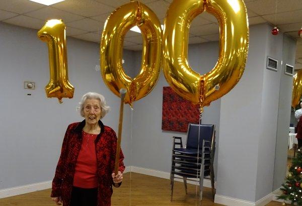 mom-100